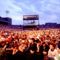 35 farm aid 85 crowd
