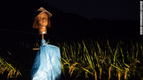 Mannequin scarecrows: Extra freaky at night.