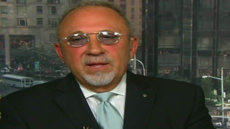 cnnee intvw cafe emilio estefan oraa we are all mexican _00022929