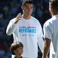Ronaldo with Syrian refugee