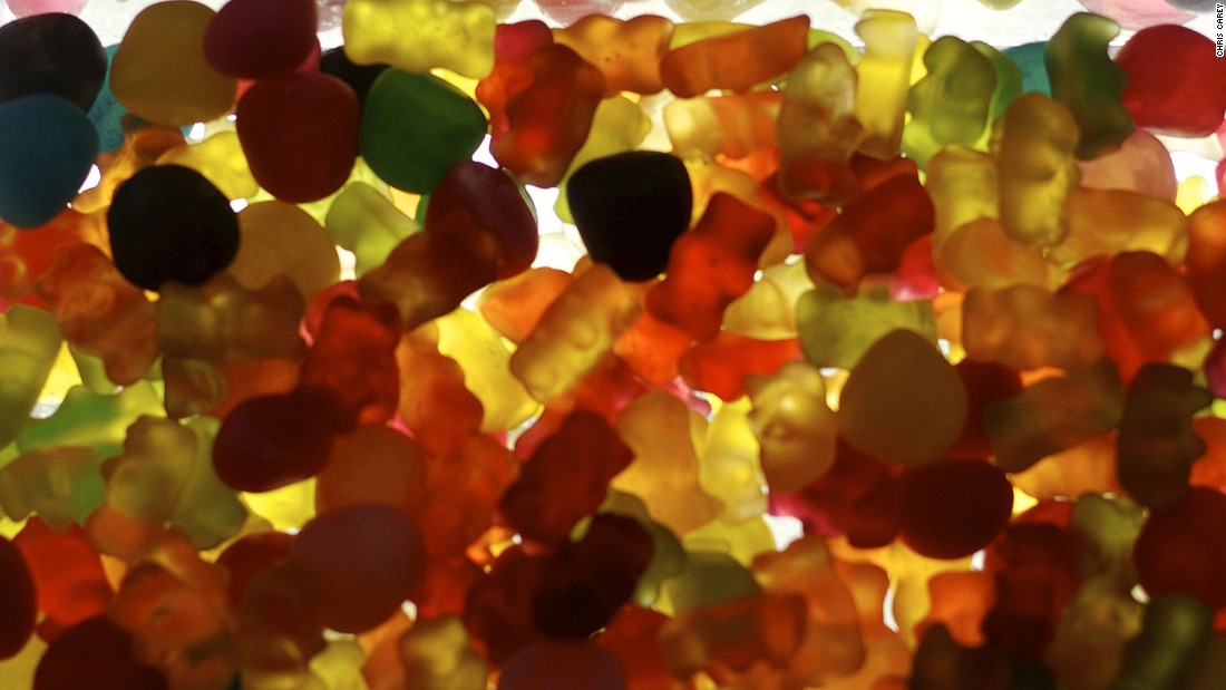According to Haribo, a chain of all the Gold Bears produced in a year would stretch around the planet four times. That's 160,306 kilometers.