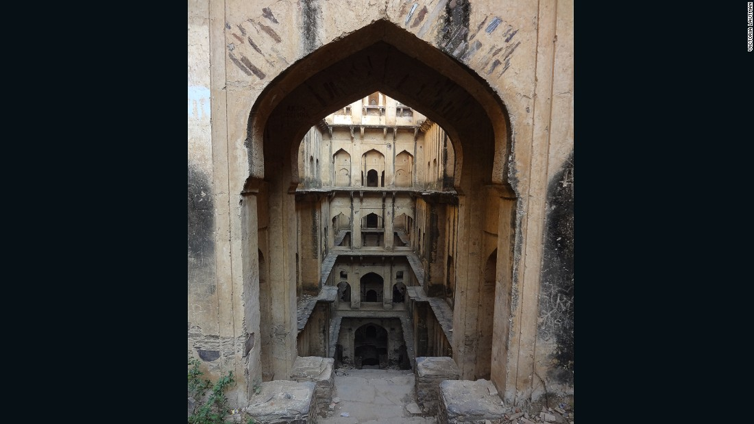 """This is where I knew I had slipped over the line from 'enchanted' to 'obsessed.' Neemrana is very deep -- 9 stories -- and dangerously decrepit, but one of the most marvelous structures I've ever seen. Ever."""