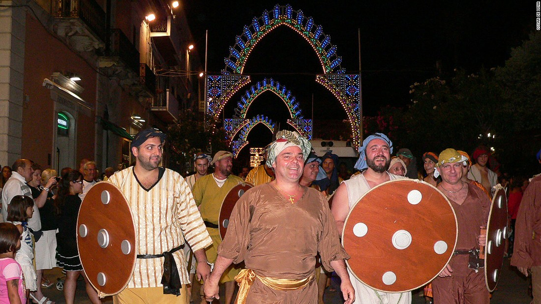 Locals are proud of their history of defending their land against attack. Each August, Termoli hosts a festival reenacting the 1566 battle in which the townsfolk defeated the forces of Suleiman the Magnificent.