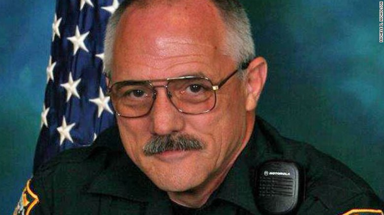 Florida deputy shot, killed while serving court papers
