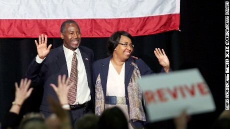 Republican presidential candidate Dr. Ben Carson is joined by his wife Candy during campaign rally on September 22, 2015 in Sharonville, Ohio.