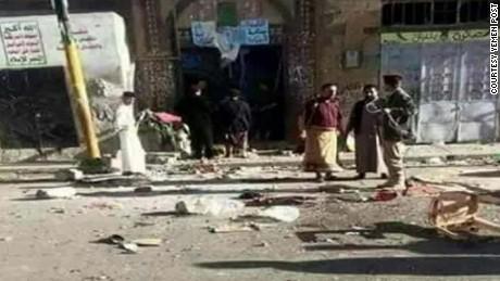 yemen mosque bombing almasmari cnnr nr lklv_00012121