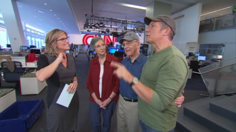 mike rowe behind the scenes ashleigh banfield_00004513