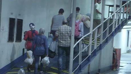 lebanon refugees walsh pkg_00021605