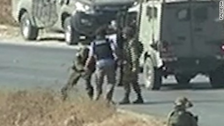israel defense forces journalists confrontation pkg_00001313