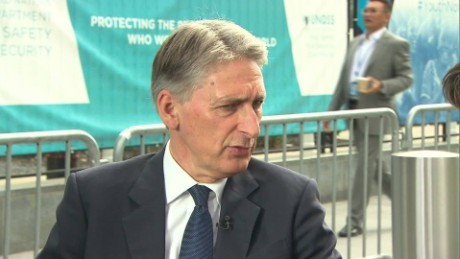 uk intv amanpour Philip Hammond _00001026