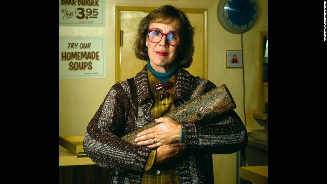 "<a href=""http://www.cnn.com/2015/09/28/entertainment/catherine-coulson-twin-peaks-obit-feat/index.html"">Catherine Coulson </a>was best known to ""Twin Peaks"" fans as the ""Log Lady"" from the surreal cult TV series. She died September 28 at the age of 71."