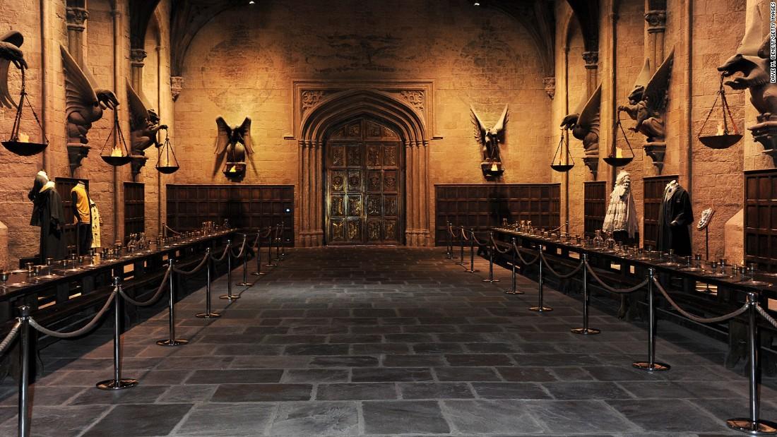 Celebrate christmas at harry potter 39 s hogwarts for Super studio