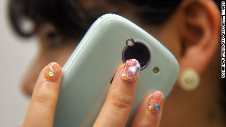Residue on cell phones used to create 'portraits' of users
