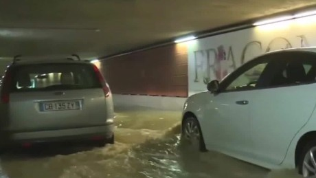 france flash flooding french riviera hollande sot_00000802