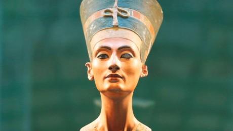 cnnee pkg lee tutankamon grave mistery _00001317