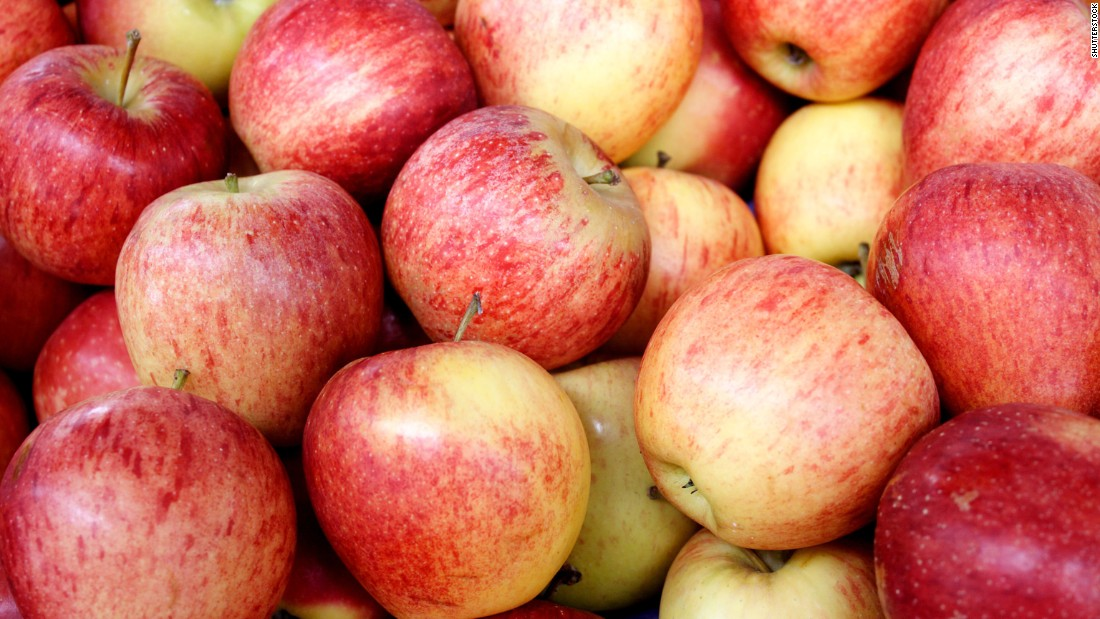 In addition to being a great source of potassium, fiber, and vitamin C, apples have a water content of 84%, which means eating them will help you stay hydrated.