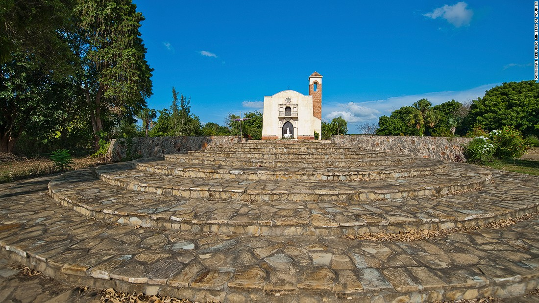 Remains of the first European settlement in the Americas are located in Puerto Plata. Christopher Columbus made landfall here in 1492.