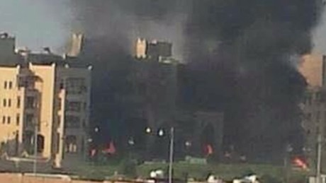 cnnee vo al qasr hotel yemen attack_00000510