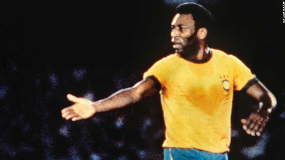 <strong>13:</strong> Pele<br /><br /><strong>2015 Earnings: </strong>$14M<br /><br /><strong>Retired: </strong>1977
