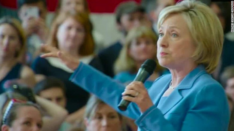 Poll: Hillary Clinton on top in key swing states