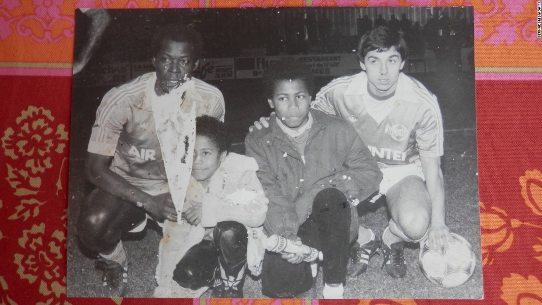 At another tribute game for their father many years earlier, Laurent and Frédéric are pictured alongside Jean-Pierre's former France colleagues Trésor and 1984 European Championship hero Alain Giresse.