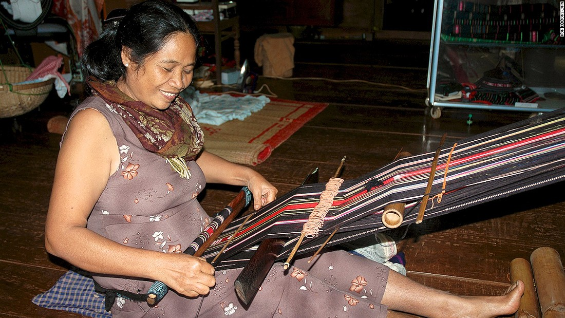 Ede women are famed for making marvelous brocades and for their use of natural dyes.