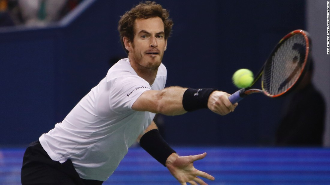 Andy Murray returns a shot during the semifinal matchup.