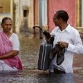 steve mccurry india monsoon couple