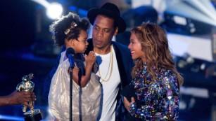 Beyoncé pregnant with twins