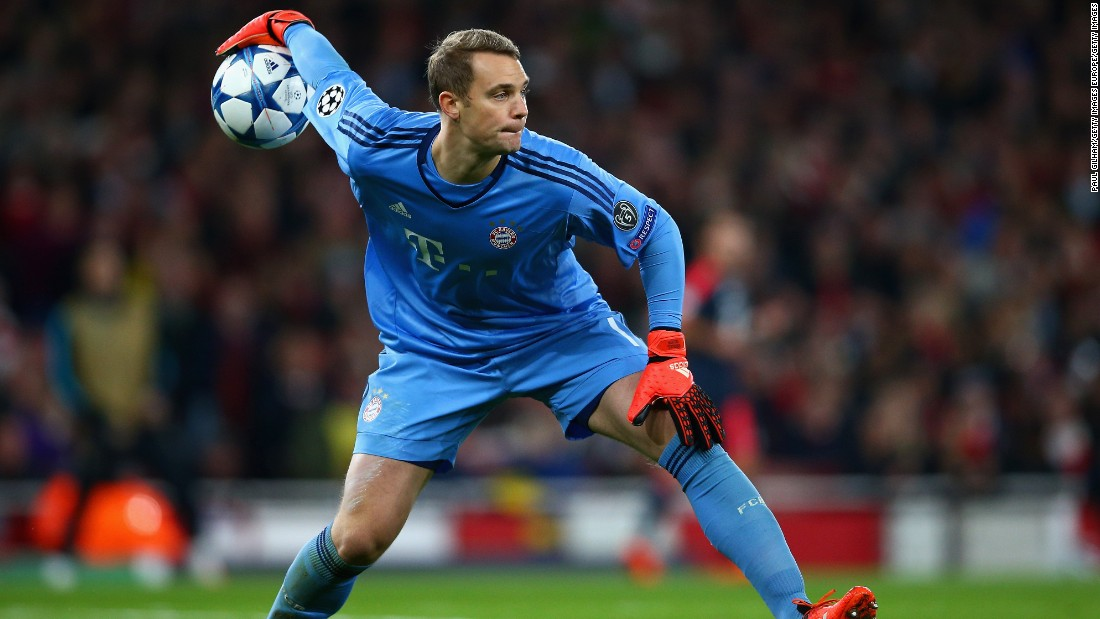 Manuel Neuer of Bayern Munich throws the ball out during the UEFA Champions League Group F match between Arsenal FC and FC Bayern Munchen at Emirates Stadium.