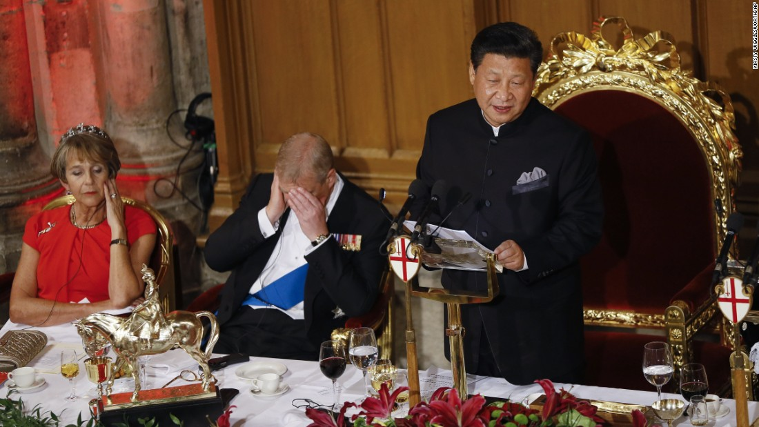 Xi makes a speech during a banquet in London on October 21, resulting in nearby attendees -- including Prince Andrew -- struggling to stay awake.