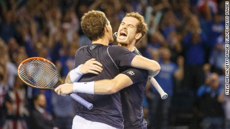 The Murray brothers: From brawlers to bravehearts