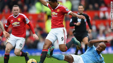 Anthony Martial and Wayne Rooney had few chances to shine in a Manchester derby in which defenses dominated.