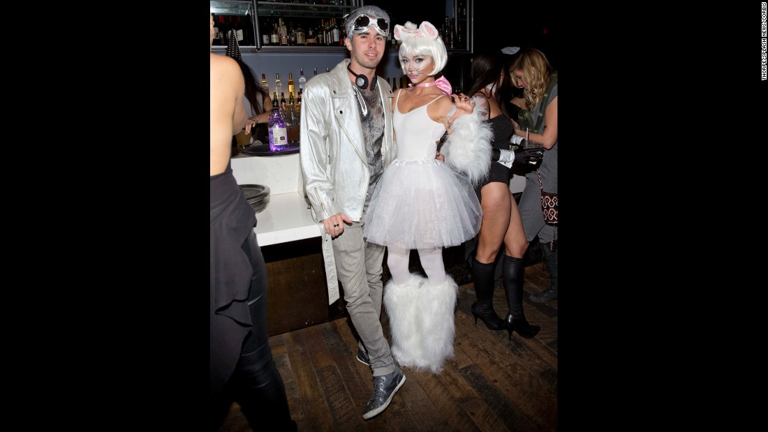 Celebrity Halloween Costume Inspiration: Who to Dress Up ...