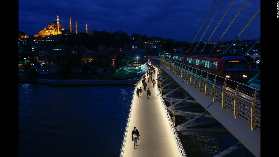 On the European side of Istanbul, with the famed Suleymaniye Mosque serving as a backdrop, the Golden Horn Metro Bridge was opened in 2014.