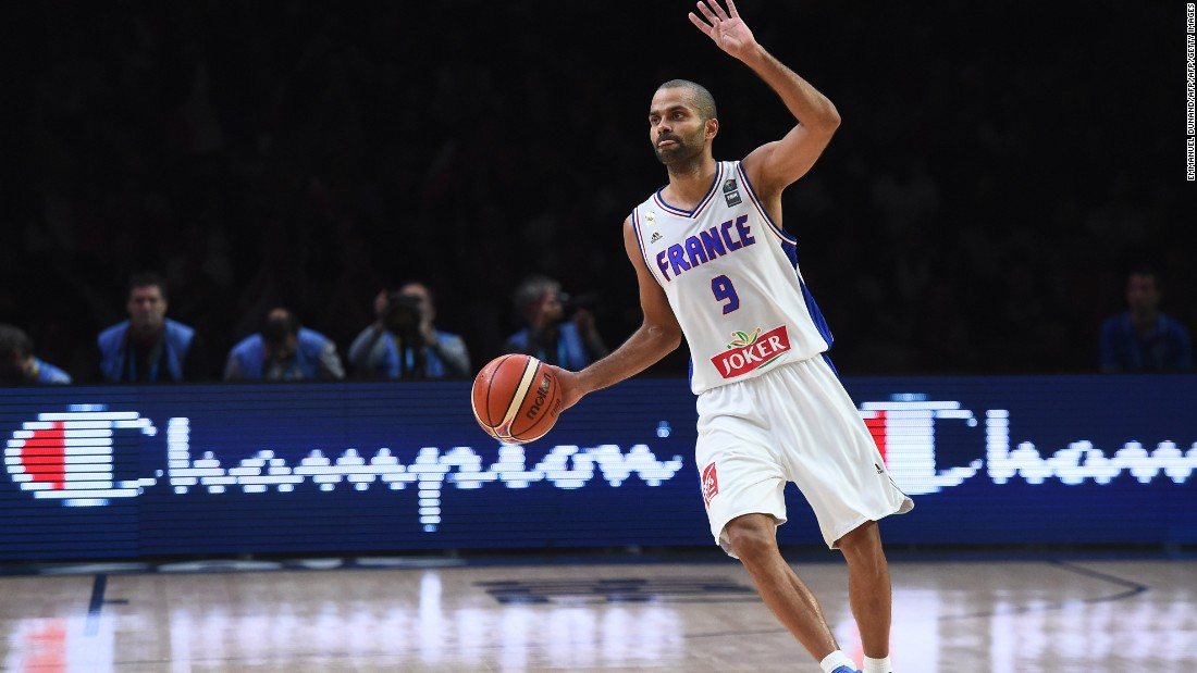 He was named France's athlete of the year in 2003 by influential French sports newspaper L'Equipe, the only basketball player to ever win the award.