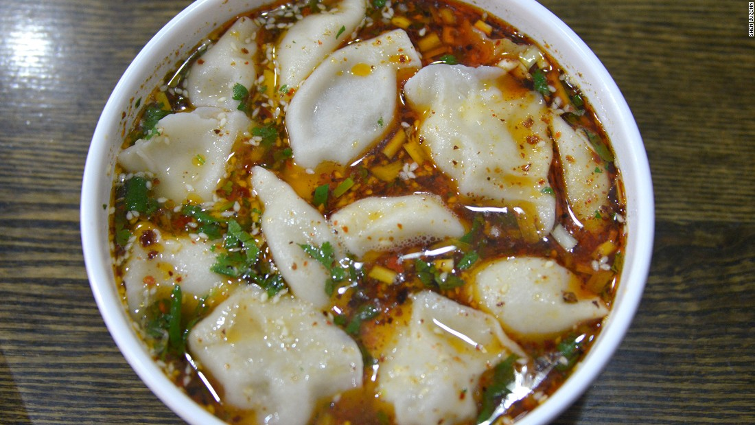 Who can resist a bowl of dumplings swimming in hot and sour soup with sesame seeds, minced leek and cilantro? Suantang shuijiao is flavorful and refreshing with a lingering (and pleasant) aftertaste.