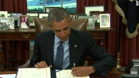 Obama signs budget deal lv_00023106