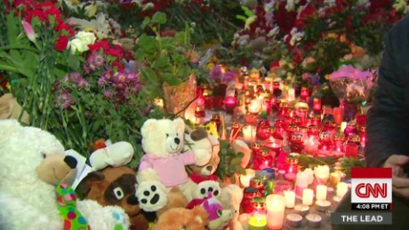 plane crash russia mourns chance st petersburg lead_00011310