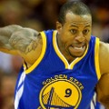 andre iguodala runs with ball