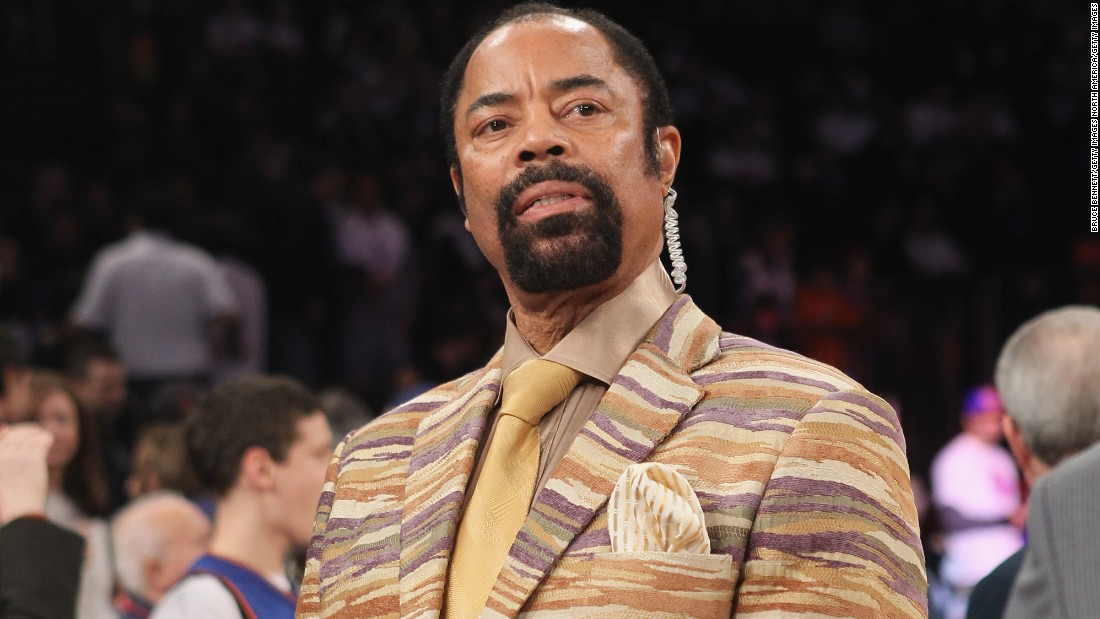 Former New York Knicks legend Walt Frazier sported fur coats and fedora hats as a player, and has kept his sartorial standards high as a sideline announcer.