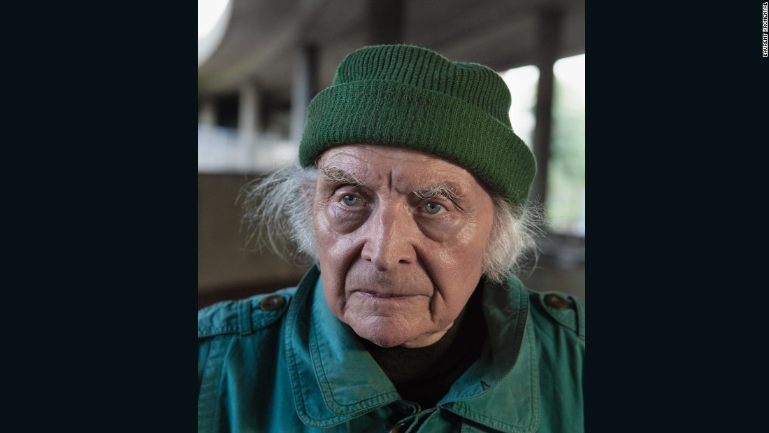 José, 89, Puteaux-La Défense, 2012
