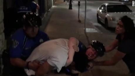 jaywalking arrest police force austin pkg_00000513
