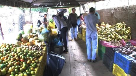 cnnee pkg hernandez venezuela price control_00001813