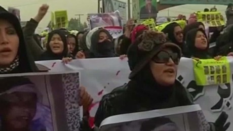 protesters call for afghan leaders to resign bpr_00014603