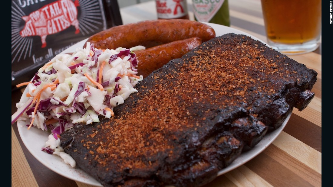 Sweet P's in Knoxville offers a tailgating special that features ribs, pork and wings.
