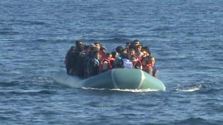 Migrants reach Lesbos