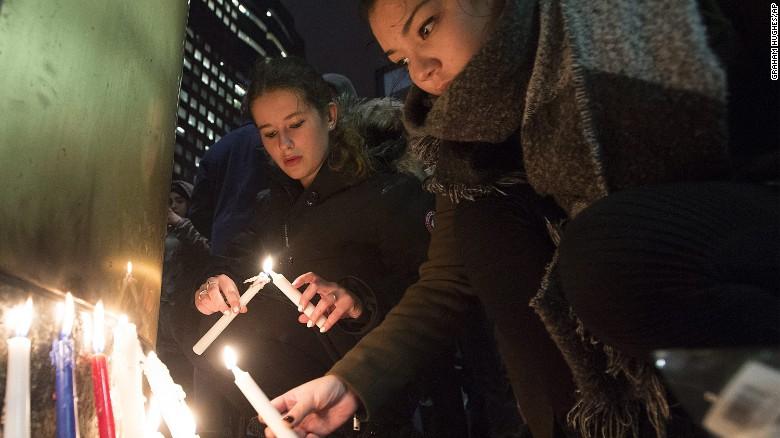 World leaders react to Paris attacks