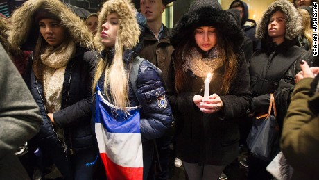World reacts to Paris attacks
