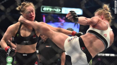 ronda rousey knocked out holly holm ufc upset pkg_00002408